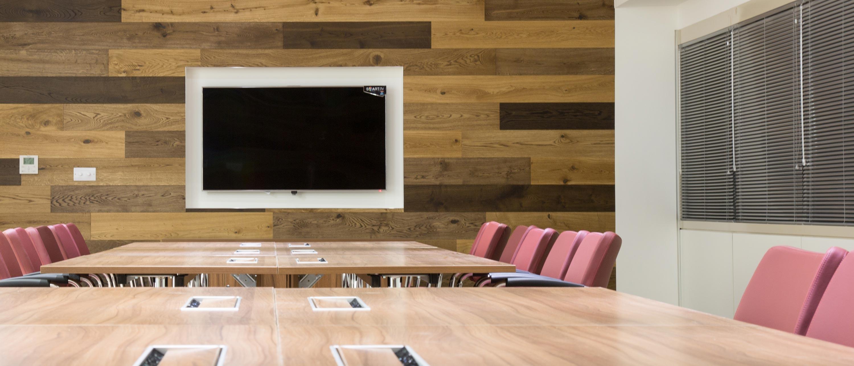 E&G Interior image